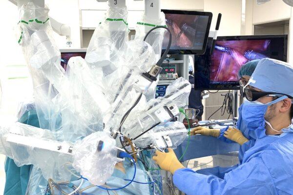大腸癌に対するロボット手術の風景